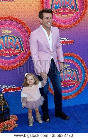 LOS ANGELES - MAR 7:  Robert Herjavec, daughter Haven at the Premiere Of Disney Junior's