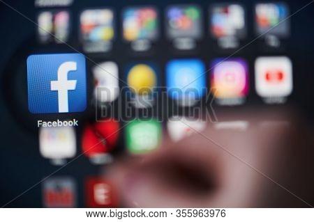 Facebook Web Site