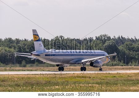 Frankfurt Germany 11.08.2019 Lufthansa Airlines D-aidv Airbus A321-231 Take Off At Fraport Airport