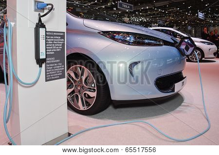 Renault Zoe Ev And Charging Station At The Geneva Motor Show