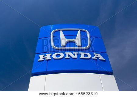 Honda Autombile Dealership Sign