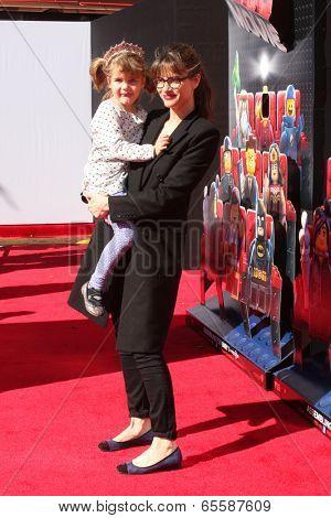LOS ANGELES - FEB 1:  Amanda Peet at the