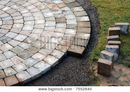 Laying Patio Bricks