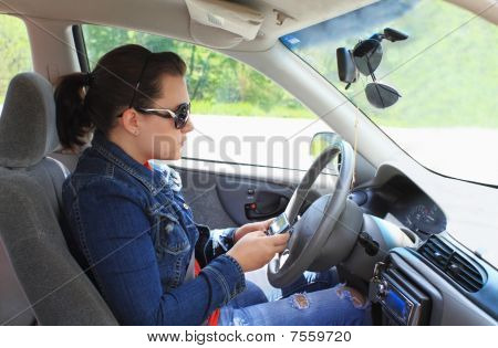 Teen texter au volant