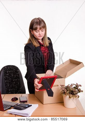 Girl In Office Collects, Parses Personal Belongings A Box