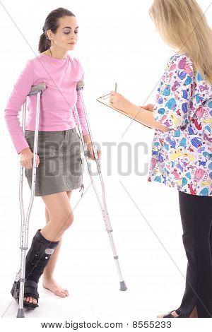 受伤的病人看看条例草案 》