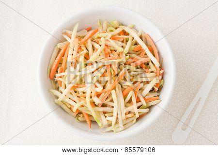 broccoli slaw with shredded carrots