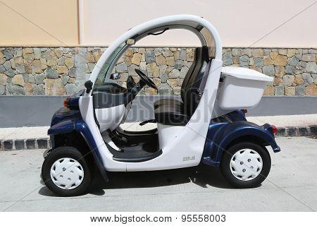 GEM E2 electrical car at. St Barths