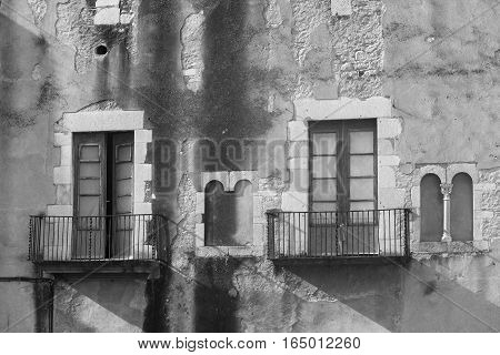 Girona (Gerona Catalunya Spain): gothic buildings near the cathedral. Black and white