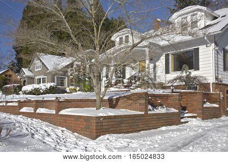 Winter snow in a neighborhood Gresham Oregon.