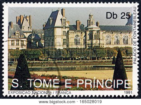SAO TOME AND PRINCIPE - CIRCA 1991: a stamp printed in Sao Tome and Principe shows Fountainebleau Palace Landmarks of France circa 1991