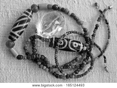 Wooden and magnetic beads necklace detail (Tone black and white)