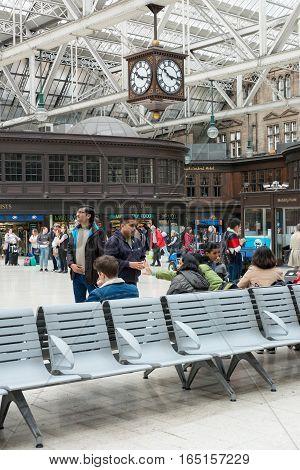 Glasgow, Scotland - 17 September 2016 : Passengers Waiting, Sitting, Walking Around Glasgow Central