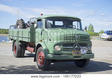 KERIMAKI, FINLAND - JUNE 06, 2015: Truck Mercedes Benz-1113 on the parade of vintage cars. Kerimaki, Finland