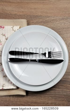 Dining etiquette - I still eat finished . Fork and knife signals with location of cutlery set