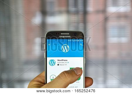 MONTREAL CANADA - DECEMBER 23 2016 : Wordpress application on Samsung S7 screen