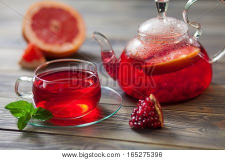 A beautiful composition of black tea and the addition of citrus