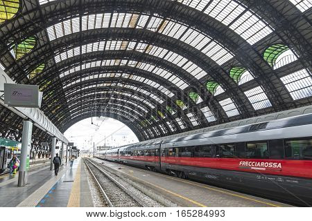 Milan Central Railway Station (milano Centrale), Italy