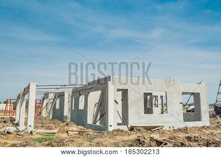 The first floor of building structure are made from prefabrication system.All pieces are made from high-strength concrete.Then assembled into a building.
