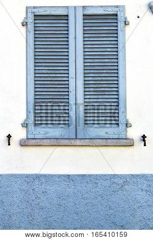 Grey Window  Viladosia  Blind In The Concrete