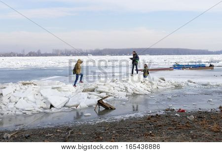 Belgrade, Serbia. January 16Th 2017: People Walk On The Frozen Danube River In Belgrade, Serbia