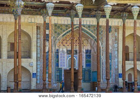 Bukhara, Uzbekistan - March 19, 2015: Bolo Khauz Old Mosque With Wooden Decore And Column