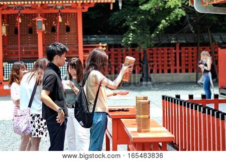 Tourist Take Esiimsi, Horoscope Prediction ,after The Blessing