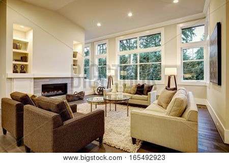 Chic Light Living Room Design With Dark Floors.