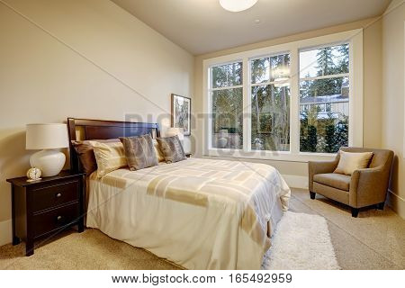 Natural Colors Bedroom Interior With Queen Bed