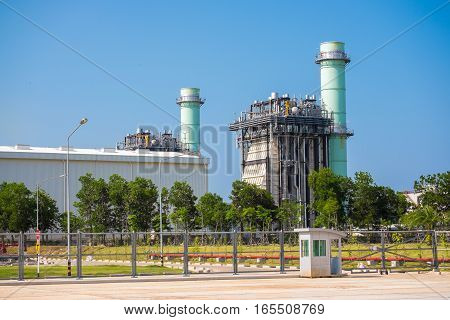 Combined cycle power plant that use fuel gas for generater electricity
