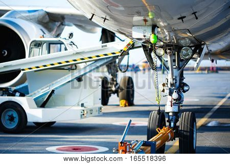 Preflight Service, Aircraft Maintenance In The Airport