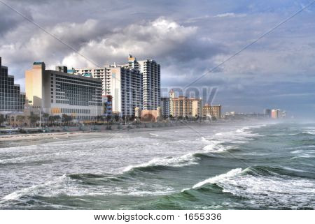 Daytona Bch Surf And Skyline In Hdr