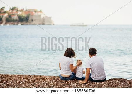 Family Travel Sea Side