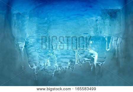 Photo miracle bright blue transparent icicles on building