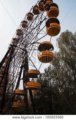 Abadonrd Ferris Wheel In Pripyat Ghost Town In Chernobyl Exclusion Zone, Ukraine