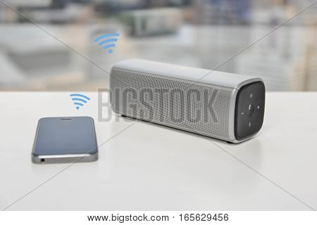 Bluetooth Speaker connected with the mobile phone