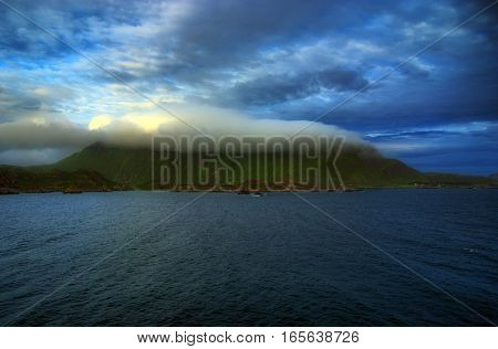 Water Wash Mountain With Cloud