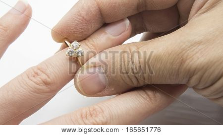 ring wedding engage hand hold diamond finger