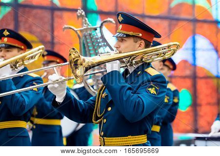MOSCOW RUSSIA - DECEMBER 24 2016: Military Band of the 154 Preobrazhensky Regiment at the Hall of Fame of the Museum of the Great Patriotic War on Poklonnaya Hill.