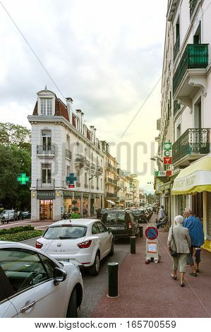 Rue Albert 1St Incentral Aix-les-bains With Pedestrians