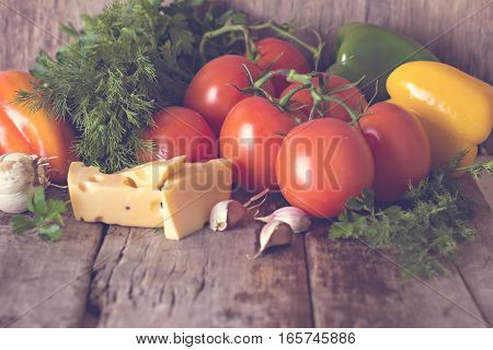 Tomatoes, Bell Pepper, Garlic, Herbs And Cheese