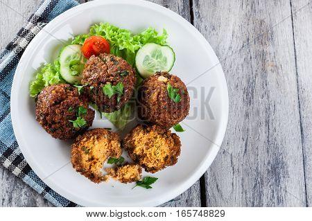 Chickpea Falafel Balls With Vegetables