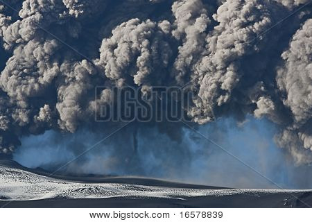 EYJAFJALLAJOKULL, ICELAND - MAY 12:  The volcano Eyjafjallajokull erupting in Iceland on May 12th 2010, Ash cloud rises into the air wreaking havoc in international flights