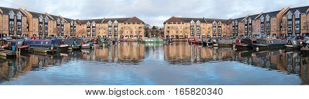 Apsley Lock Marina in Hemel Hempsted, Hertfordshire