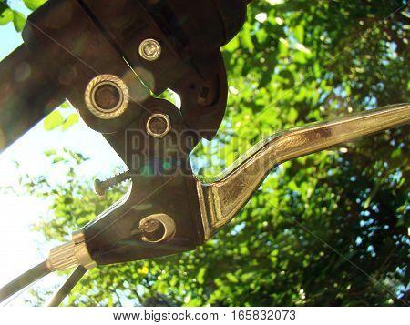 hand bike brake providing braking of the vehicle