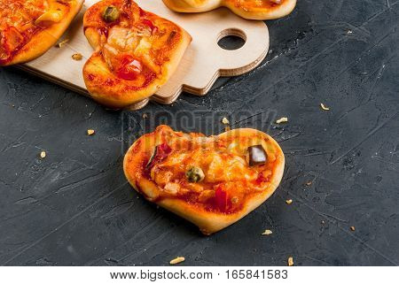 Mini Pizza For Valentine's Day