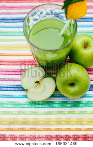 Fresh drink fresh kiwifruit and apples. Vegan food