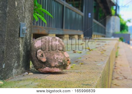 The roadside paths have doll heads left the base pole.