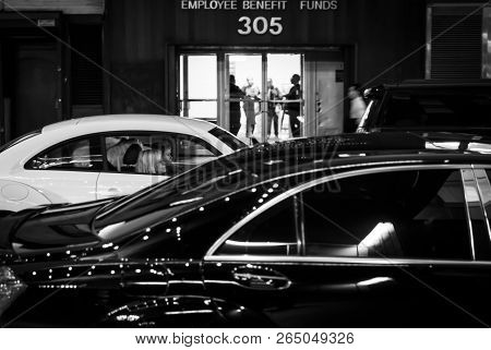 New York, Usa - Sep 20, 2016: New York And New Yorkers. Manhattan Street Scene. The Americans On The
