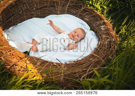Daily Care For Small Newborn. Newborn Baby Daily Routine. Small Child Health Care. Feed, Play And Sl